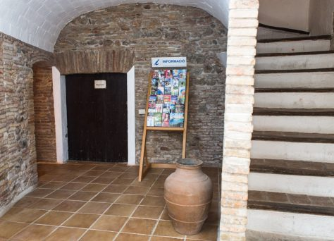 Can Gibert, apartments in a rural house in Spain, Catalonia, Costa Brava, Castelló d'Empúries, Girona